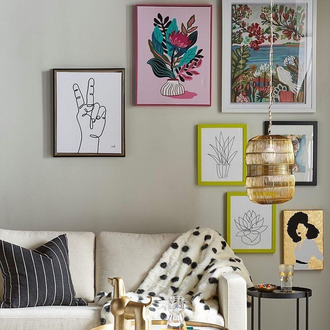 Art graphic on frames